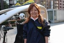 唯一の女性ドライバーの高橋さん。「ウエイトレスとしての接客の経験が生きています」